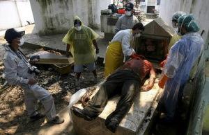 """Levantamiento de cadáveres sw campesinos en la """"Masacre de El Porvenir"""", responsabilidad de Evo Morales"""