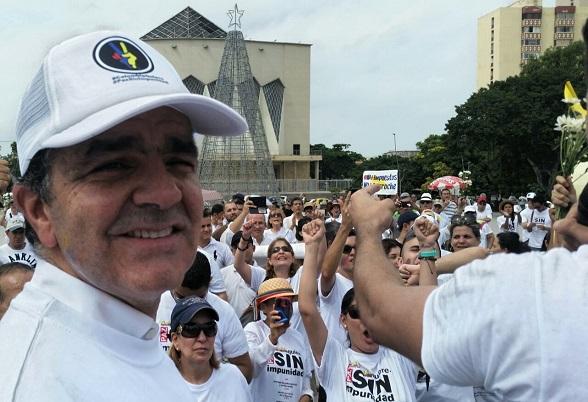 En Barranquilla, Oscar Iván Zuluaga acompañó la marcha