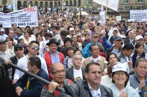 Tumultuosa estuvo la marcha en varias ciudades. Acá, Bogotá. (Foto Periodismo Sin Fronteras)