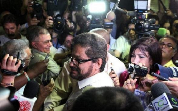 """Los terroristas son las """"divas"""" consentidas de los medios. Al mejor estilo de las épocas del Caguán. En La Habana se urdió el fraude electoral"""