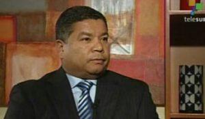 Rafael García, chefe de informática do DAS. Sua homossexualidade foi aproveitada por seus recrutadores do G2