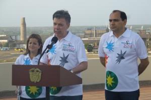 Santos ofrece rueda de prensa en el Batallón de la PM del barrio Paraíso.