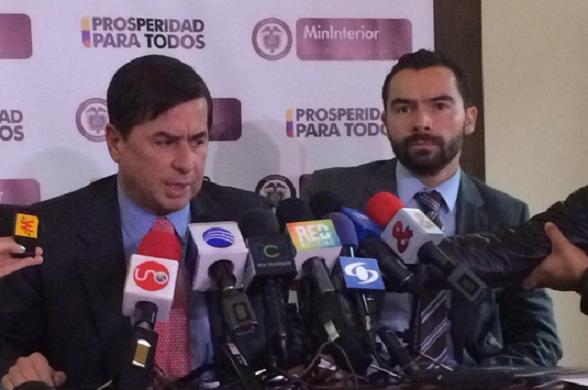 """Juan Fernando Cristo y Andrés Villamizar """"denunciando"""" el desfalco de la UNP"""
