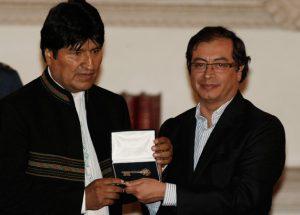 Evo Morales y el terrorista indultado y alcalde de Bogotá, Gustavo Petro