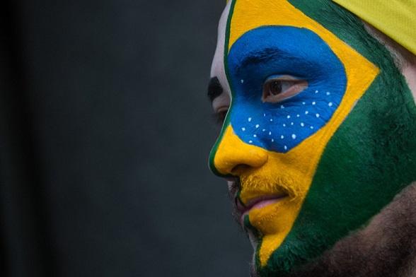 Brasil entero, un solo rostro y una bandera, protestanto contra Dilma