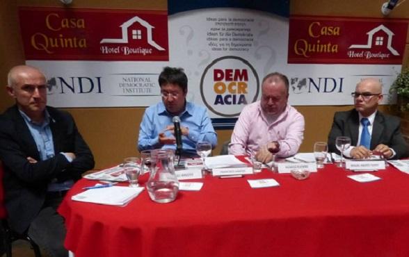 Francisco Santos en el Foro Ideas para la Democracia