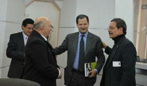 Otty Patiño, Sergio Jaramillo (centro), de la mesa de negociaciones con las FARC, y Héctor Pineda, también terrorista indultado del M-19
