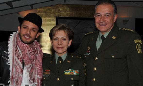 La general Luz Marina Bustos y el general Oscar Naranjo, de la mesa de diálogos de La Habana