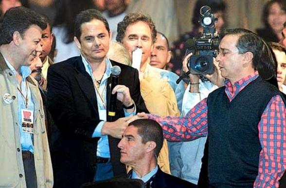 Álvaro Uribe la lanzó un salvavidas a Germán Vargas Lleras