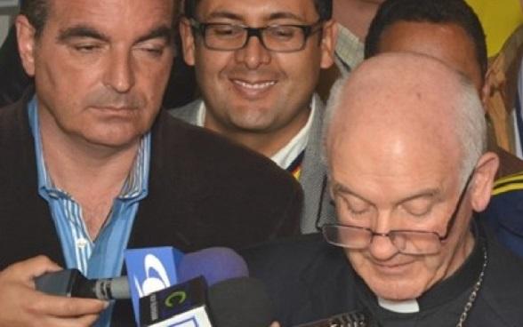 Monseñor Luis Augusto Castro y el ministro Iragorri Valencia
