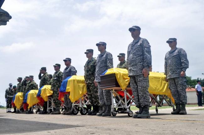 Funeral de algunos de los soldados masacrados por las FARC en Cauca