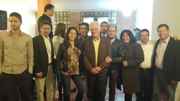 En el centro, Santiesteban, Miguel Uribe y Montaña