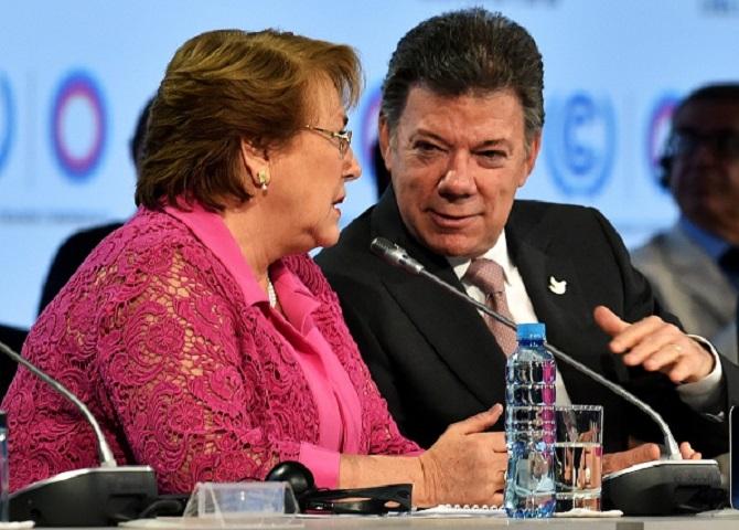Michelle Bachelet y Juan Manuel Santos