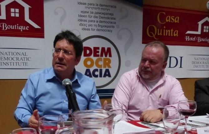 """""""MI LEALTAD ES LO QUE MÁS ME DIFERENCIA DEL PRESIDENTE SANTOS"""": PACHO SANTOS"""