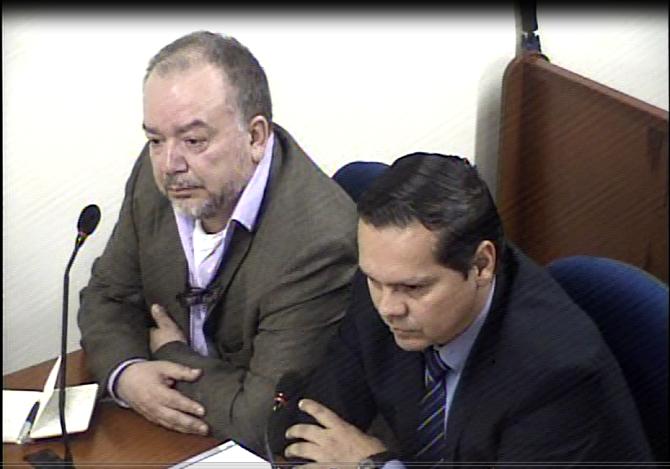 Ricardo Puentes y su abogado, Johm Saulo Melo