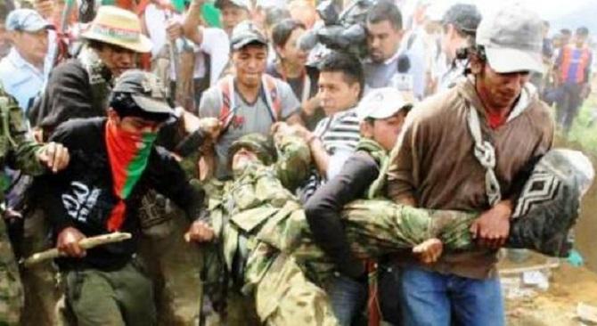 """Soldados atacados por """"indígenas"""" en el Cauca"""