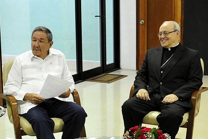 Raúl Castro y el Cardenal Jaime Ortega