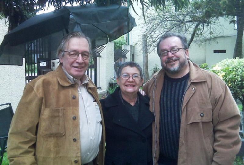 El profesor Olavo de Carvalho, Gracia Salgueiro y Ricardo Puentes, en Bogotá