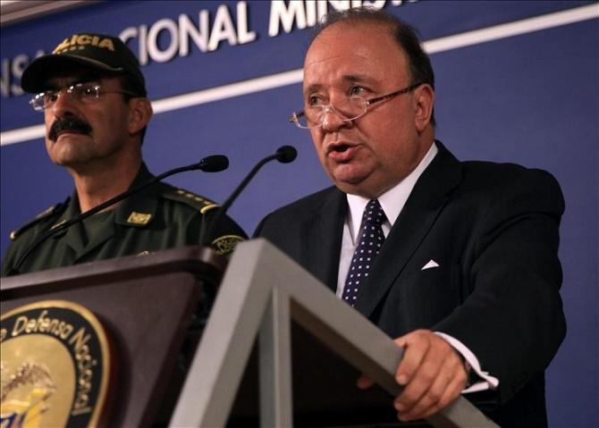 El ministro Villegas y el General Palomino nos creen bobos