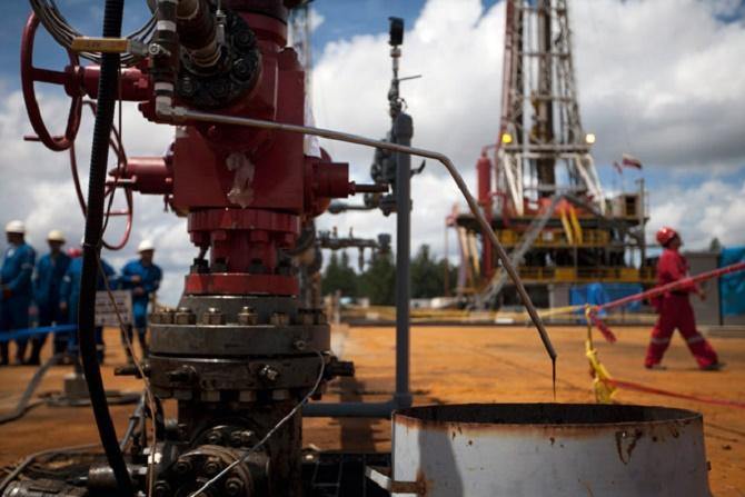 La bajada de los precios del barril de petróleo en sus distintos formatos ha tenido graves consecuencias para muchas economías