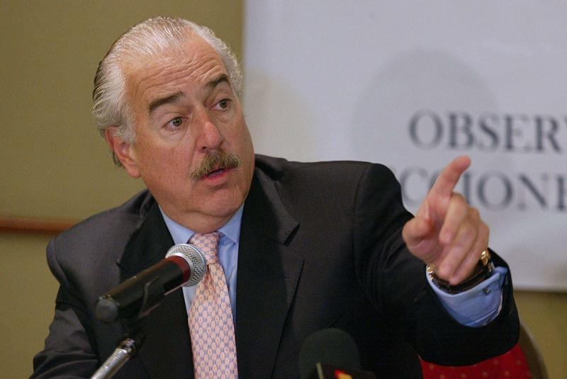 ANDRÉS PASTRANA RENUNCIA A LA COMISIÓN DE PAZ DE SANTOS-FARC