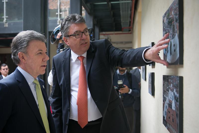 Juan Manuel Santos y su ministro Mauricio Cárdenas