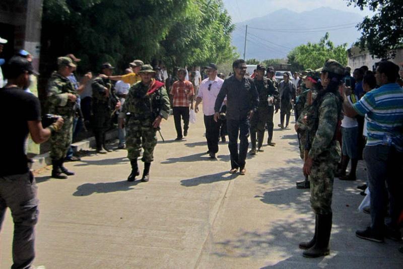 FARC haciendo proselitismo armado