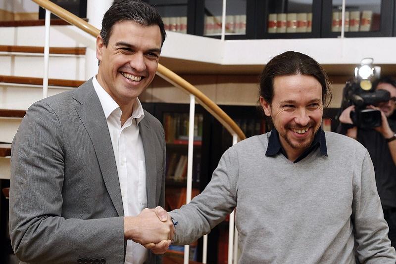Pedro Sánchez de PSOE y Pablo Iglesias de Podemos