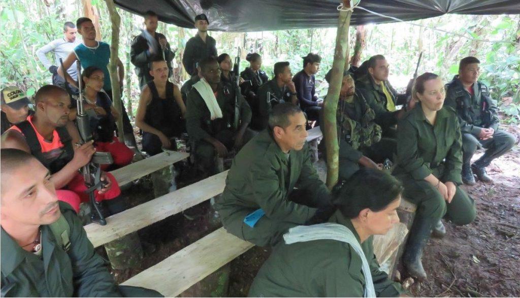 Natalie Mistral en un campamento de FARC