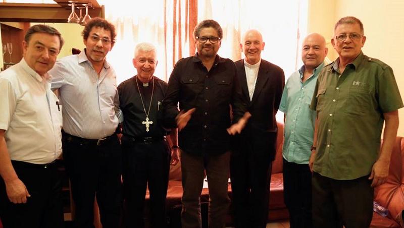 FARC con sus apoyadores