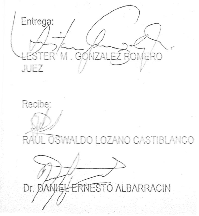 En estas firmas el abogado Daniel Prado Albarracín oculta su primer apellido