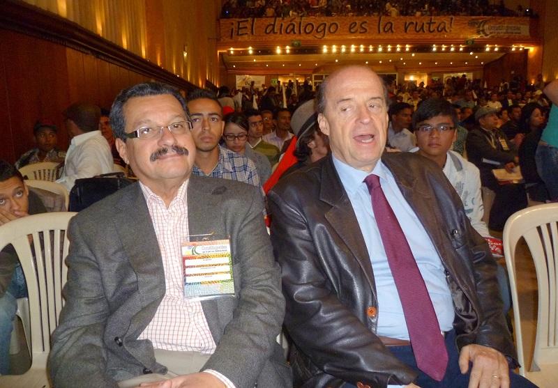 Álvaro Leyva y Carlos Lozano, director de VOZ, órgano del Partidfo Comunista