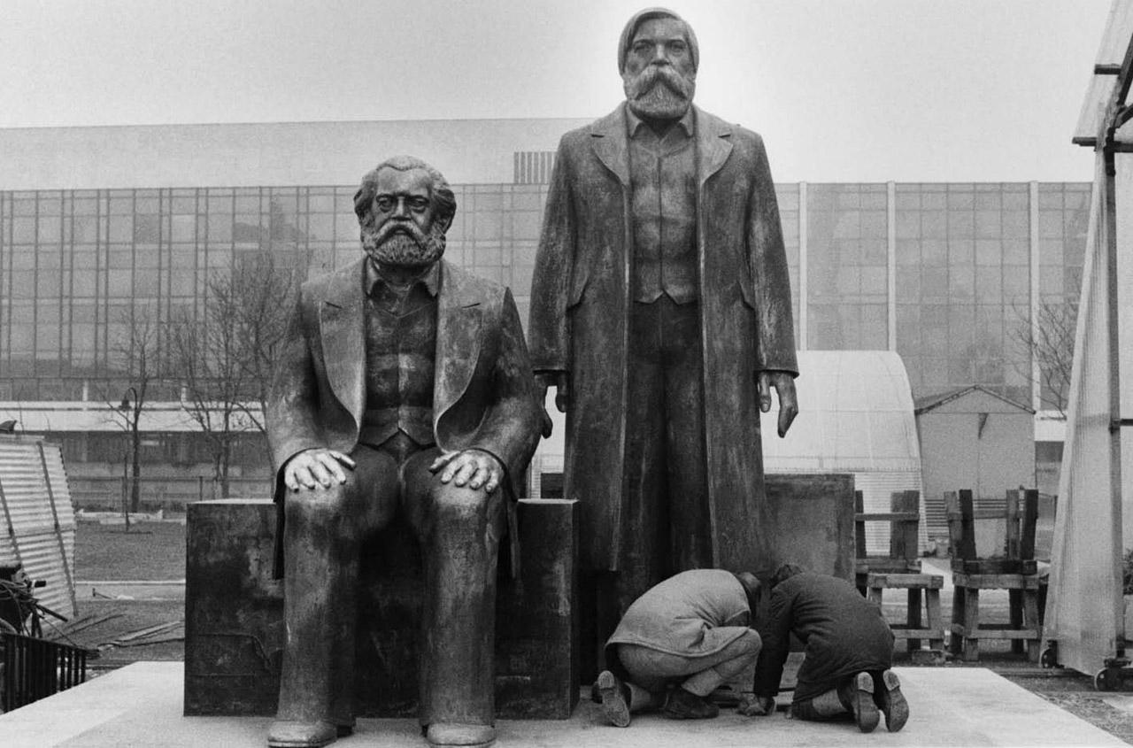 Monumento en Berlín de Marx-Engels 1986