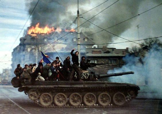 """La Revolución de 1989 fue posible porque no existían partidos """"opositores"""""""