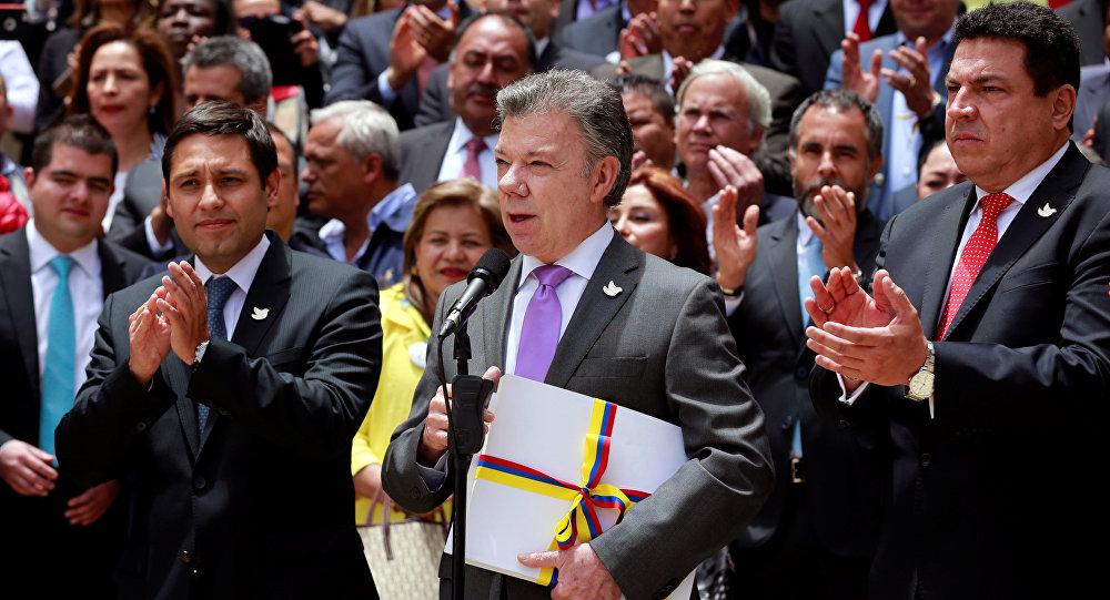 Santos anuncia la pregunta del plebiscito