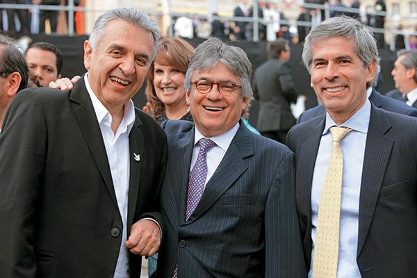 El ministro de Justicia, Yesid Reyes, en compañías que no auguran nada bueno para el Ejército, Lucho Garzón y Ramiro Bejarano