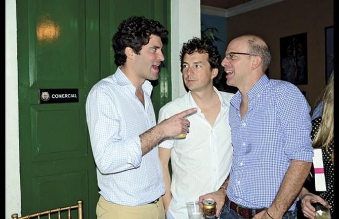 El segundo hombre más rico de Colombia, Alejandro Santodomingo (izq) con Alejandro Santos, director de Semana