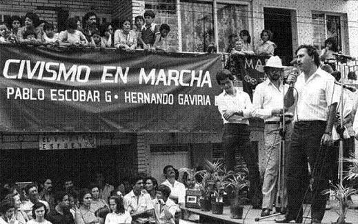 colombianos eran también Pablo Escobar y los carteles y a nadie se le ocurrió pactar con ellos para dejar sus crímenes en la impunidad