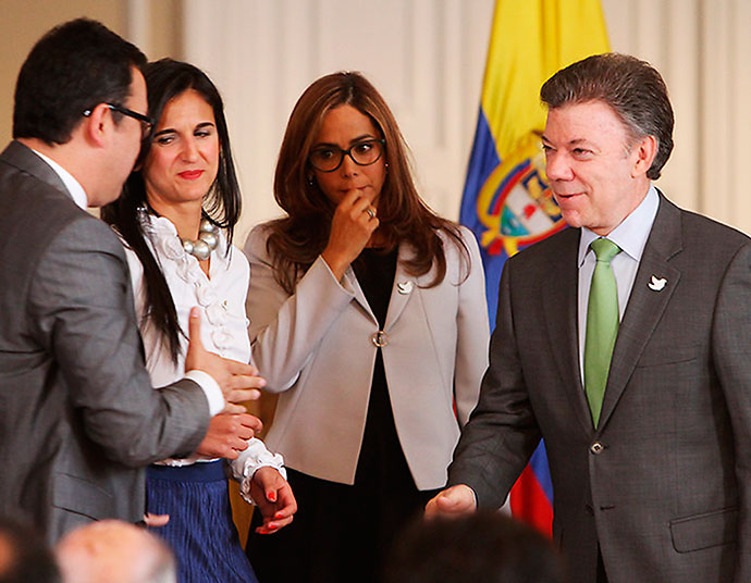 """Santos y su ministra """"estrella"""", Gina Parody"""