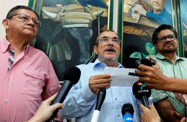 En rueda de prensa, depués del resultado del plebiscito