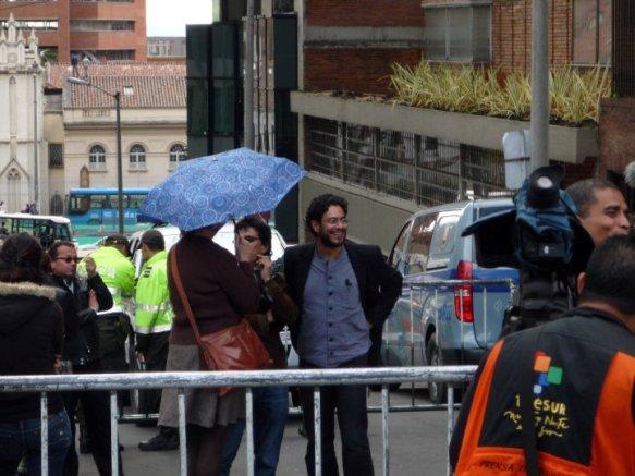 Iván Cepeda y Telesur, celebrando el fallo condenatorio contra Plazas Vega en !era instancia