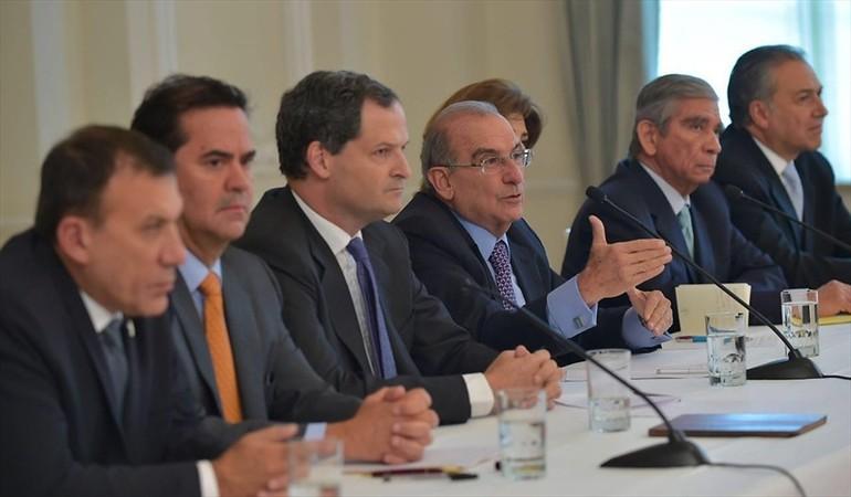 Roy Barreras, Frank Pearl, Sergio Jaramillo, Humberto de la Calle, María Ángela Holguín, Jorge Mora y Óscar Naranjo