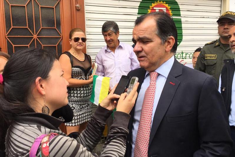 El candidato Oscar Iván Zuluaga fue sacado de juego mediante una falsa acusación y la intimidación judicial contra sus asesores