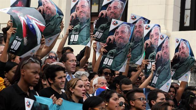 Simpatizantes de Fidel lamentan su muerte
