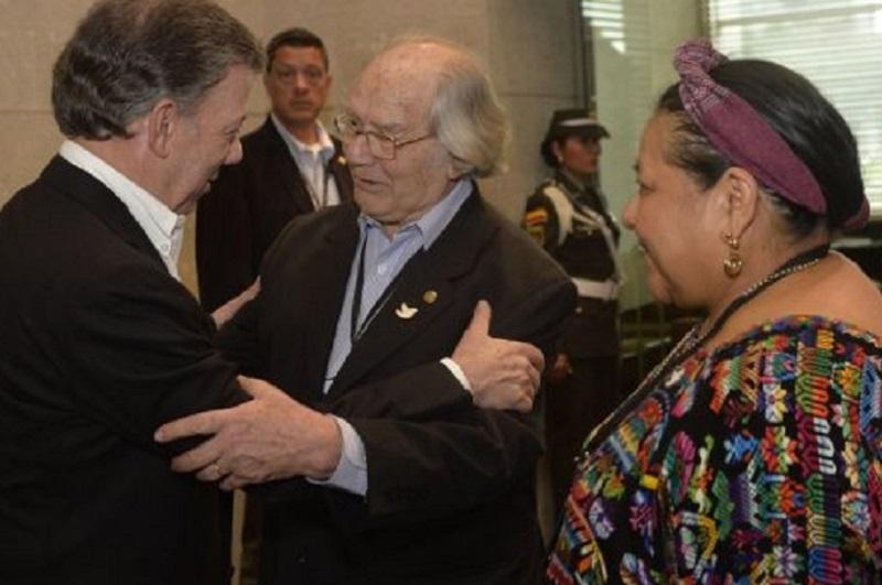 Santos, Pérez Esquivel y Rigoberta Menchú