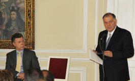 NUEVO ESCÁNDALO: SANTOS LE RETIRA LA PROTECCIÓN AL EX PROCURADOR
