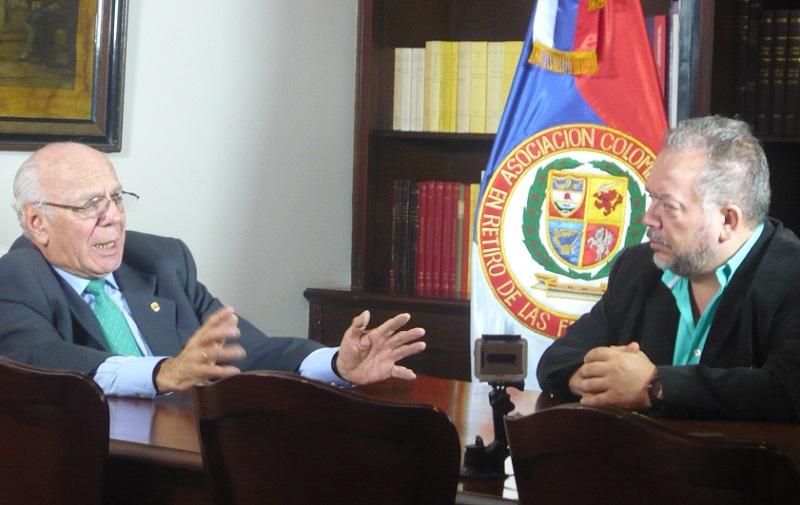 CARTA DE LOS EX COMANDANTES MILITARES A JUAN MANUEL SANTOS